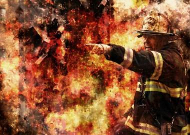 firefighter-502775_1280